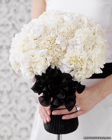 black and white hand bouquet for wedding, bunga tangan pengantin hitam putih