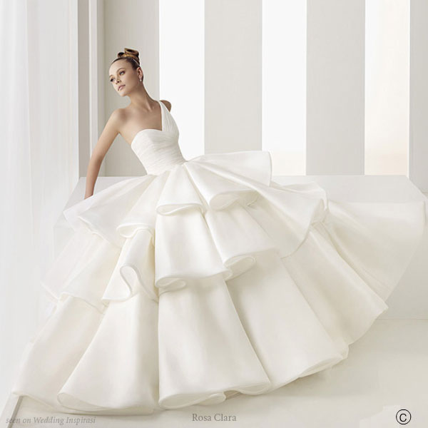 Beautiful pleated wedding dress