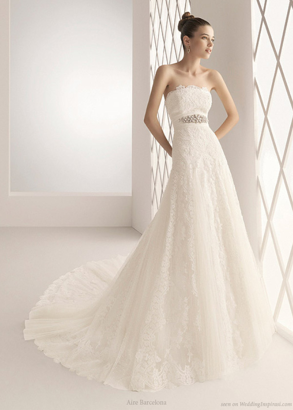 Beautiful strapless lace wedding gown from Aire Barcelona 2010 bridal collection