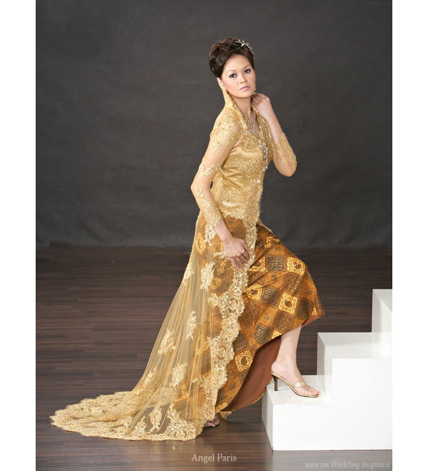 Kebaya panjang pengantin traditional indonesian malay wedding dress