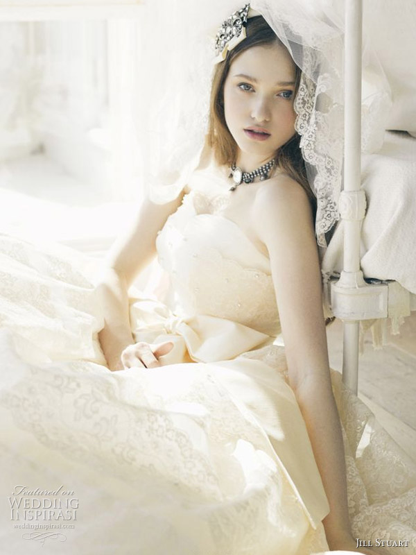 Ivory wedding gown with sweetheart neckline by US designer Jill Stuart