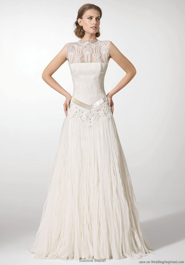 Cap sleeve lace wedding dress from Raimon Bundo