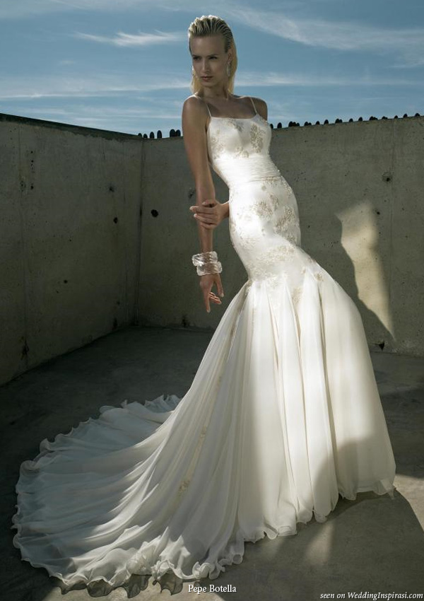 Spaghetti strap wedding dress from Pepe Botella Novias