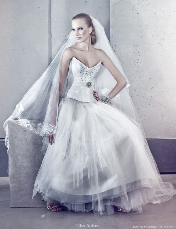 Wedding dress by Léber Barbara Eskuvoi Ruha Divat