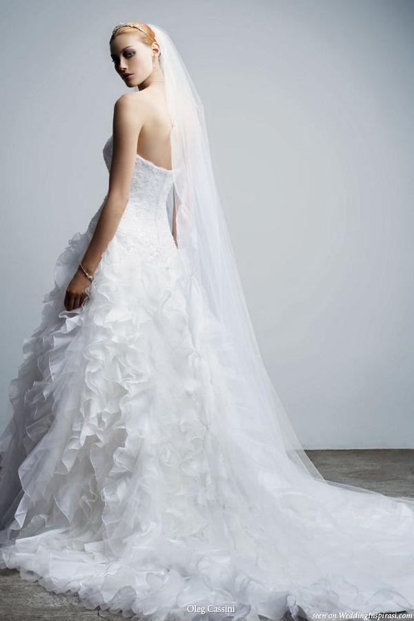 Oleg cassini wedding gowns wedding inspirasi for Wedding dress designer oleg cassini