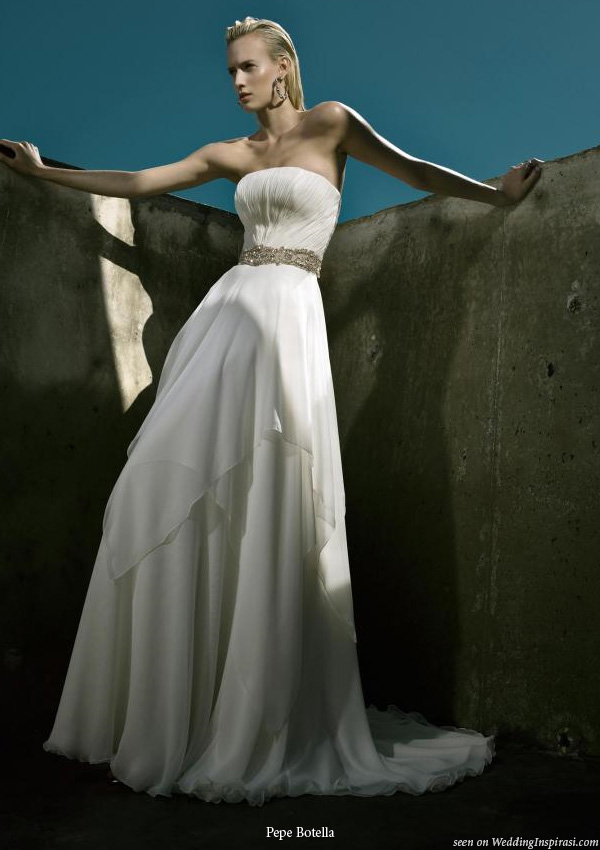 Elegant, sexy and classy wedding gowns by Pepe Botella Novias