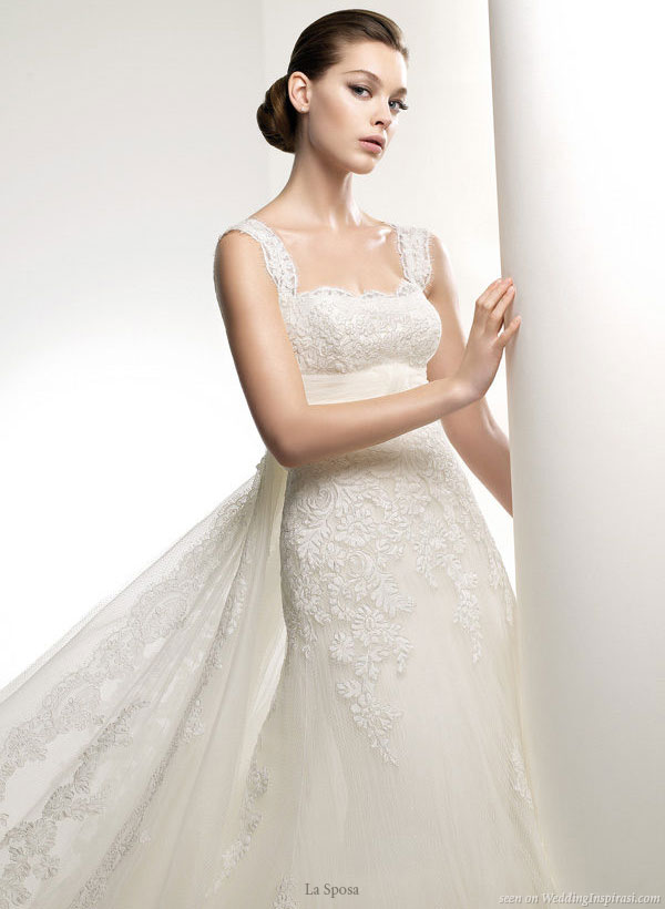 Luna lace wedding gown with thick straps from La Sposa Pronovias