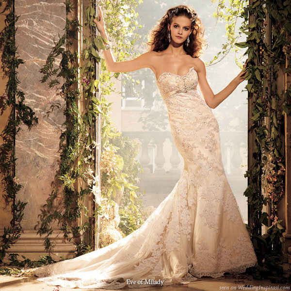 Amalia Carrara strapless sweetheart neckline wedding gown