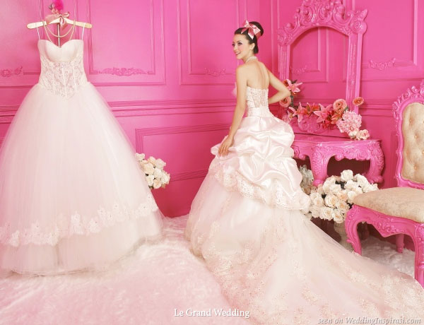 Click read more below to see other white wedding gowns from Le Grand