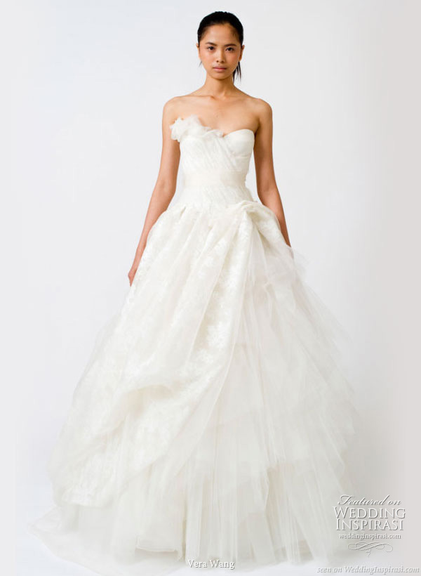 vera wang wedding dresses 2011. Spring 2011 white wedding