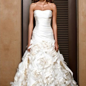 jenny_lee_2011_strapless_wedding_gown