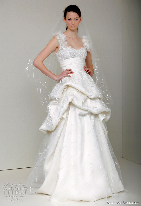 http://www.weddinginspirasi.com/wp-content/uploads/2010/06/monique-lhuillier-2011-spring-summer-wedding.jpg