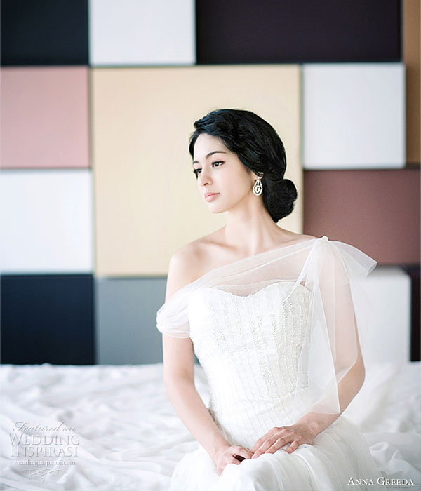 Anna Greeda 2010 gown collection - beautiful wedding dress from the Korean bridal house