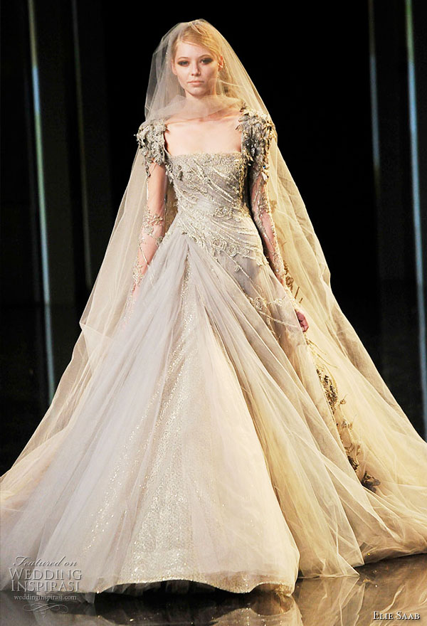Elie Saab Couture Fall/Winter 2010/2011 wedding dress with veil finale on the runway
