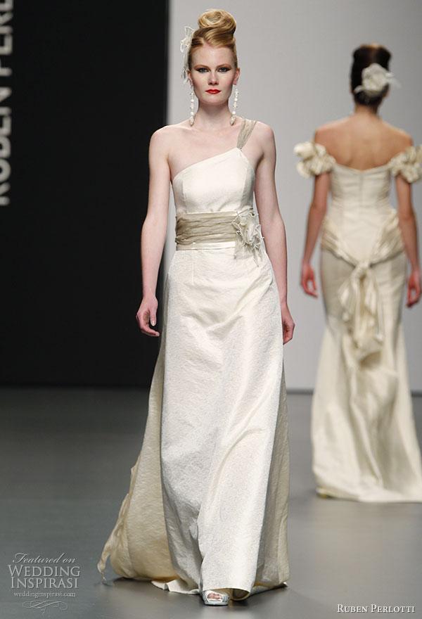 صور فساتين اعراس المشاهير 2014 ، فساتين عرائس للمشاهير بالصور 2014 ruben-perlotti-2011-novias-wedding-dress.jpg