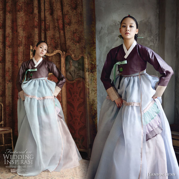 Hanbok - traditional korean wedding or ceremonial dress, this one in lighter pastel colors