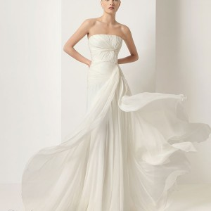 Jesús del Pozo wedding dress from the 2010 bridal collection - DAHIR Silk gauze gown