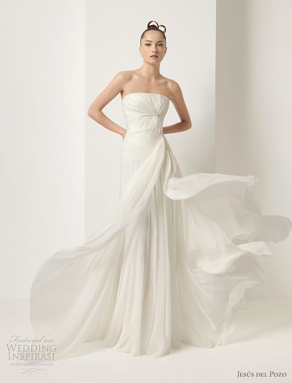 Jes s del Pozo wedding dress from the 2010 bridal collection DAHIR Silk