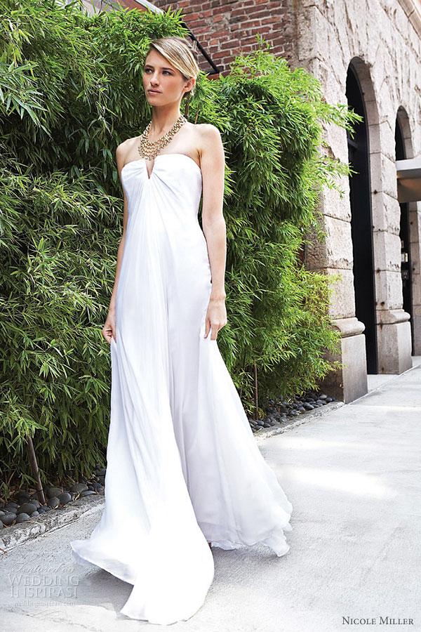 Nicole miller bridal collection wedding inspirasi for Nicole miller strapless wedding dress