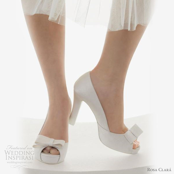 Rosa Clara bridal shoes 2011 collection - white wedding heels, peep toe with bow