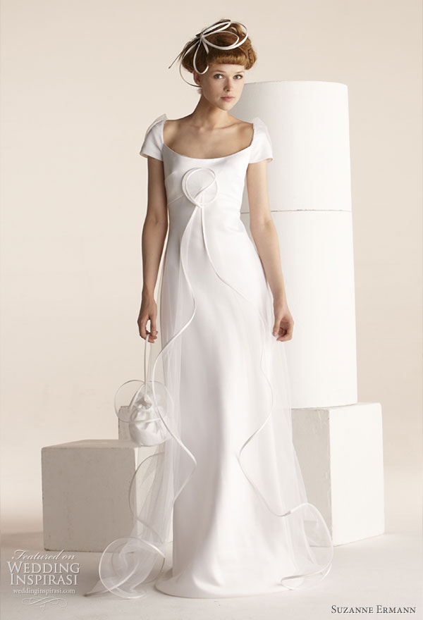 Suzanne Ermann wedding gowns 2011 SE Marier pret-a-porter bridal collection - Henriette, Empire dress in duchesse satin covered with tulle coat, rounded neckline with puffed sleeves