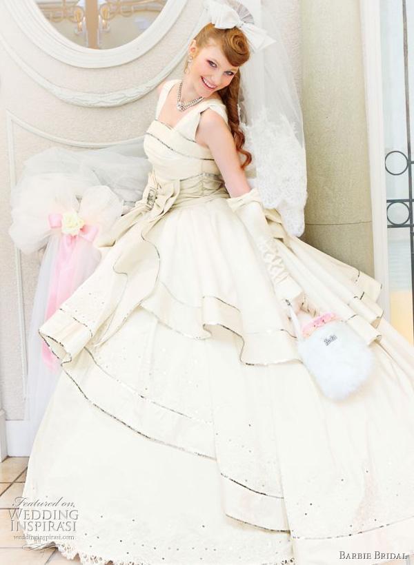 Barbie Bridal 2010 wedding dress, white ball gown