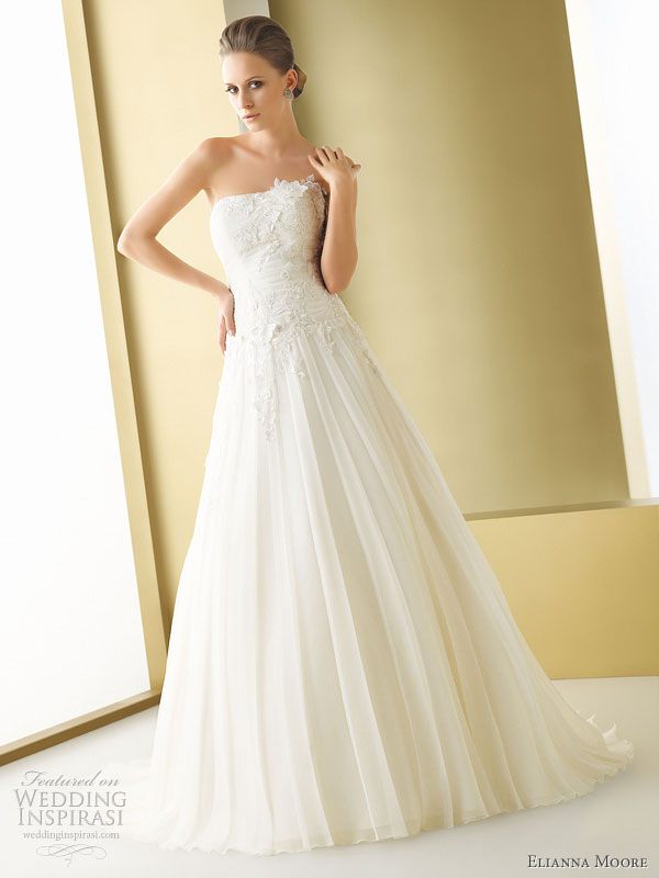 Elianna Moore wedding gowns 2011 bridal collection Bagli gazar strapless