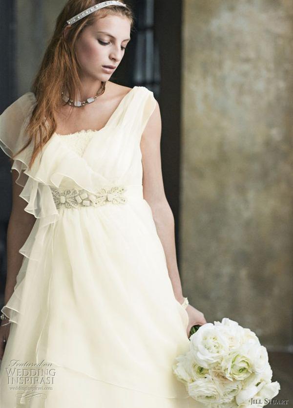 Asymmetric Wedding Dresses 56 Amazing Romantic wedding dress by