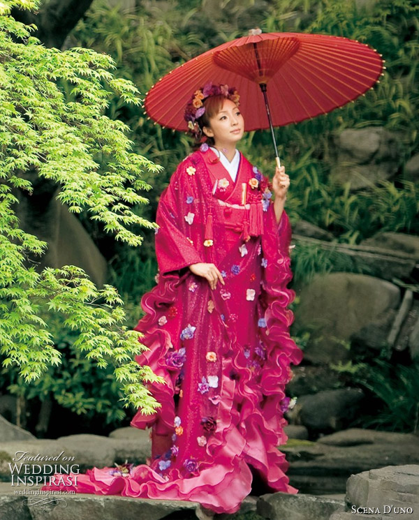 Japanese Wedding Gown: Colorful Wedding Kimono From Scena D'uno 2010