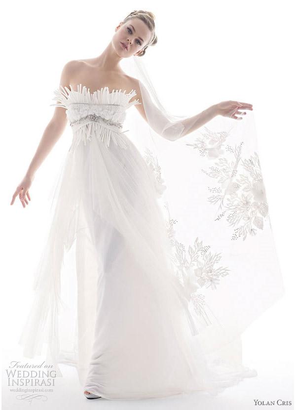 Yolan Cris 2010 Renacimiento collection - Nadia strapless wedding dress