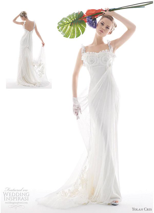 Yolan Cris 2010 Renacimiento collection - Aralia romantic ruffle wedding dress