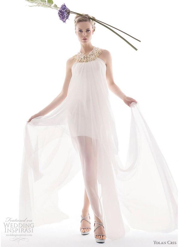 Pastora wedding dress from Yolan Cris 2010 Renacimiento bridal collection