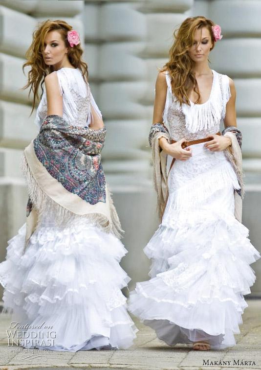 صور فساتين اعراس باكمام 2014 ، فساتين عرائس بأكمام طويله بالصور 2014 makany-marta-wedding-gown-fall-2010.jpg
