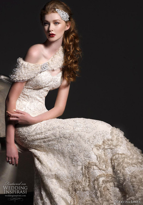 Martiana Liana ; Elegant Wedding Dress Gown
