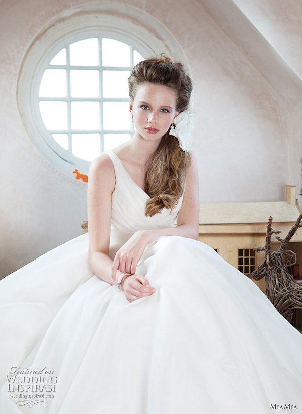 MiaMia wedding gown 2011 Sophia bridal dress