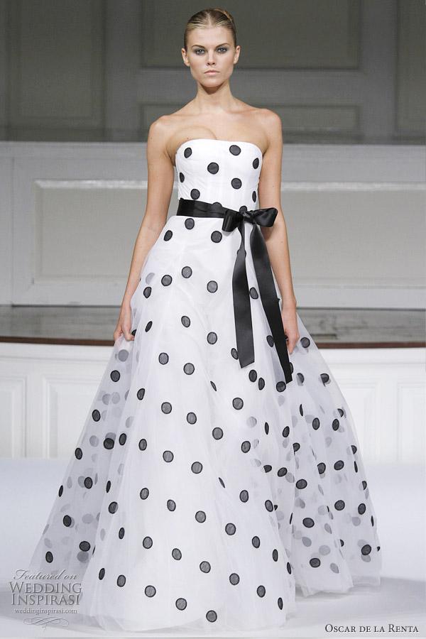 oscar-de-la-renta-black-polka-dot-dress.