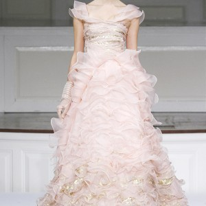 Oscar de la Renta Spring 2011 ready to wear collection - peony silk organza and gold leaf embroidered ruffle gown