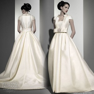 Modest wedding dress with ball gown silhouette by Josechu Santana wedding dress from Esmeraldas y Diamantes 10-11 bridal collection