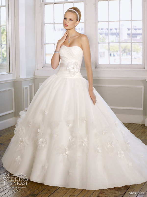 the last time you fell in love with a ball gown? This one, in organza ...