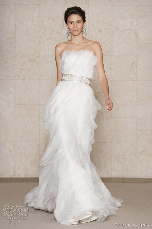 Oscar de la renta wedding dresses fall 2011 wedding for Where to buy oscar de la renta wedding dress