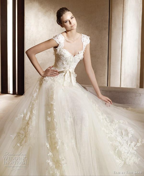 Origami Wedding Dress – Ian Stuart Revolution Rocks 2011 Bridal ... | 730x600