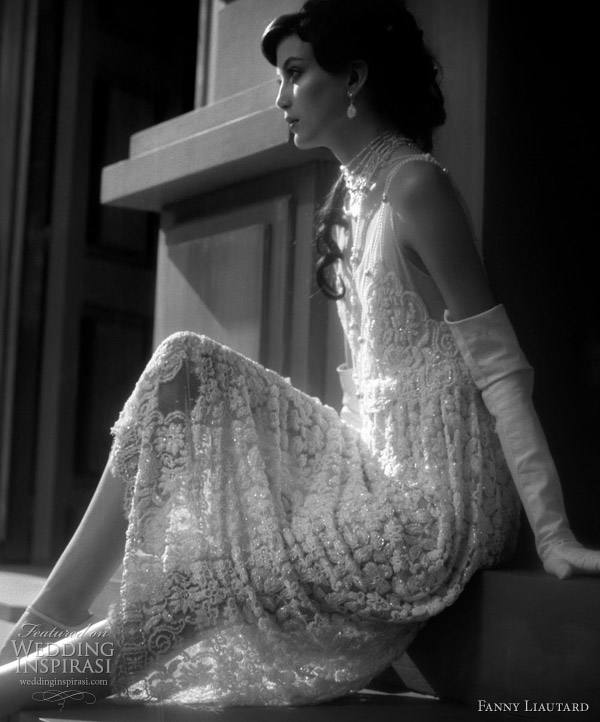1920s inspired Gatsby wedding dress by Fanny Liautard