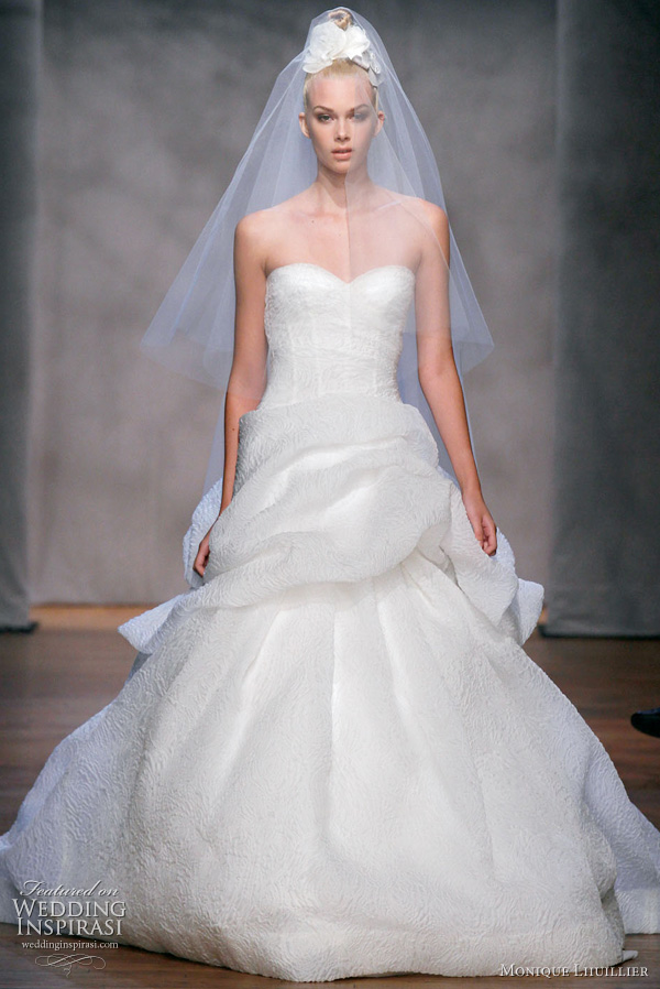 Monique lhuillier fall 2011 wedding dresses wedding for Silk organza wedding dress