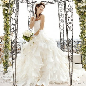 White western wedding dress with ball gown cut by Island Bridal, japan