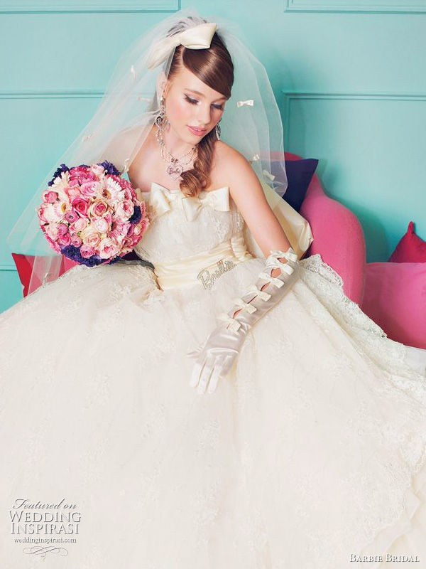 Barbie bridal 2011 wedding dress 1