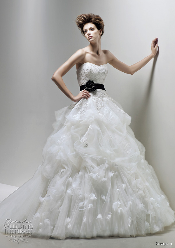Enzoani 2011 wedding dress fawn ball gown