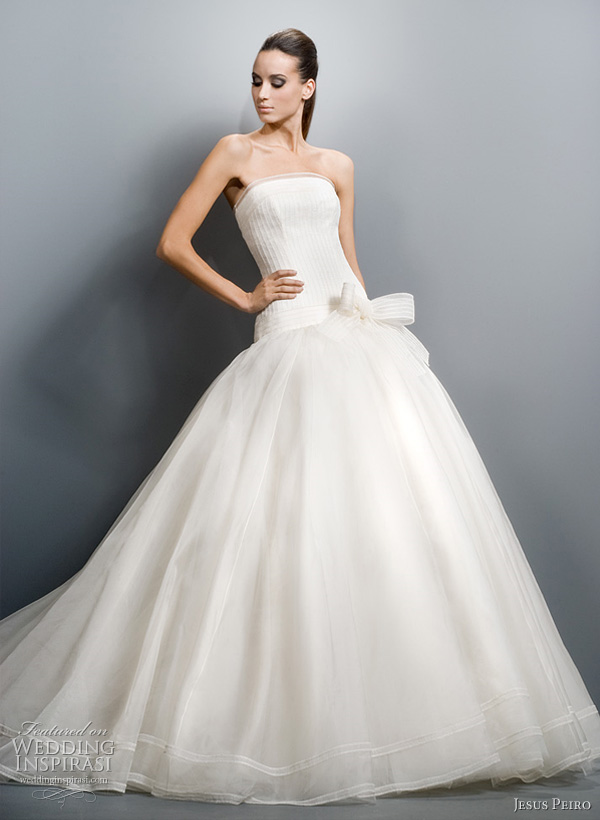 jesus peiro wedding gowns 2011 Strapless gown with ruffle tier skirt