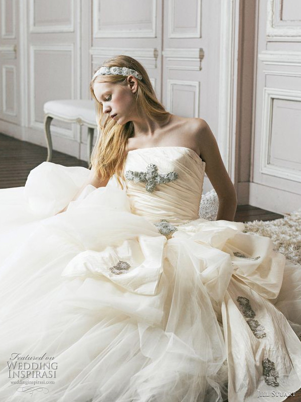 Jill Stuart wedding gown 2011 collection