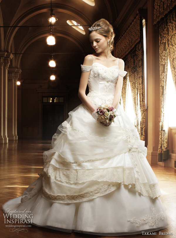 princess wedding dresses with sleeves Romantic wedding dress with detached