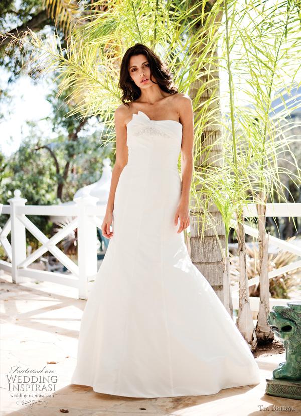 5152 Tia Bridal 2011 wedding dress by benjamin roberts